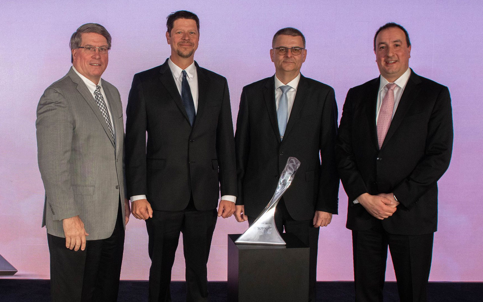 HELLER mit Hattrick beim Supplier of the Year-Award von GM