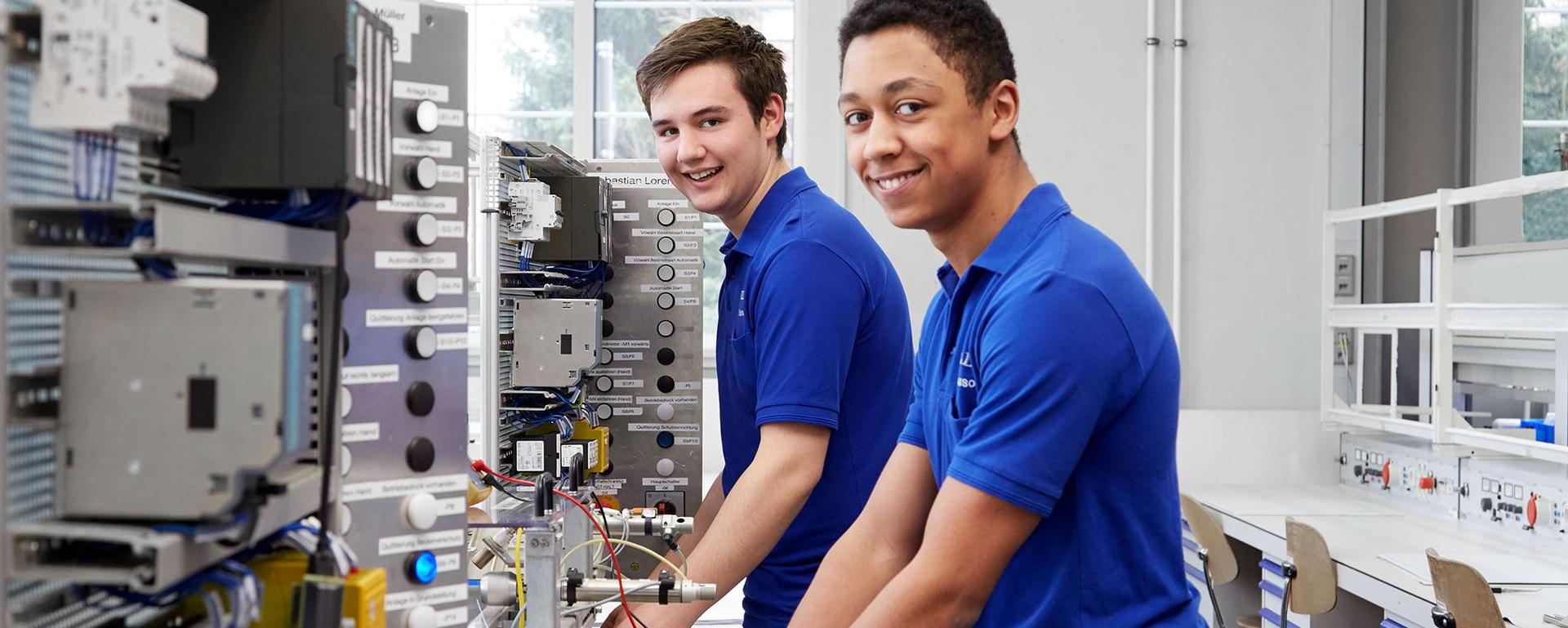 Training at HELLER: Electronics Engineer for Automation Engineering